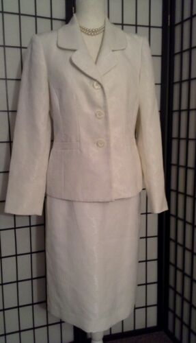 Le Suit Essential Womans Suit, Off White, Sz 8
