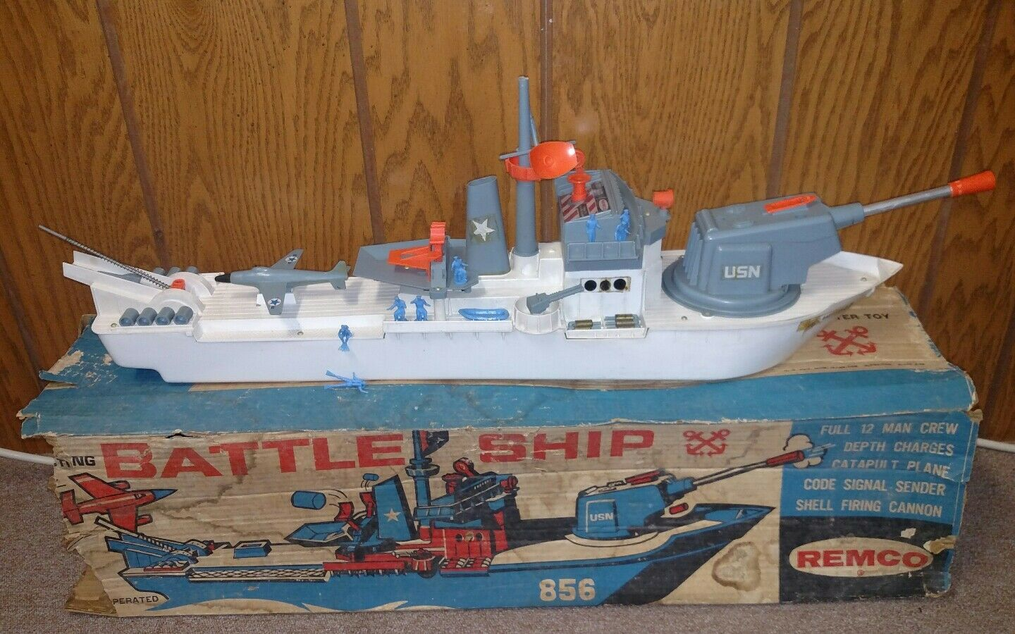 Vintage Remco Remco Remco Battle Ship with Box and Accessories. 90a6b3