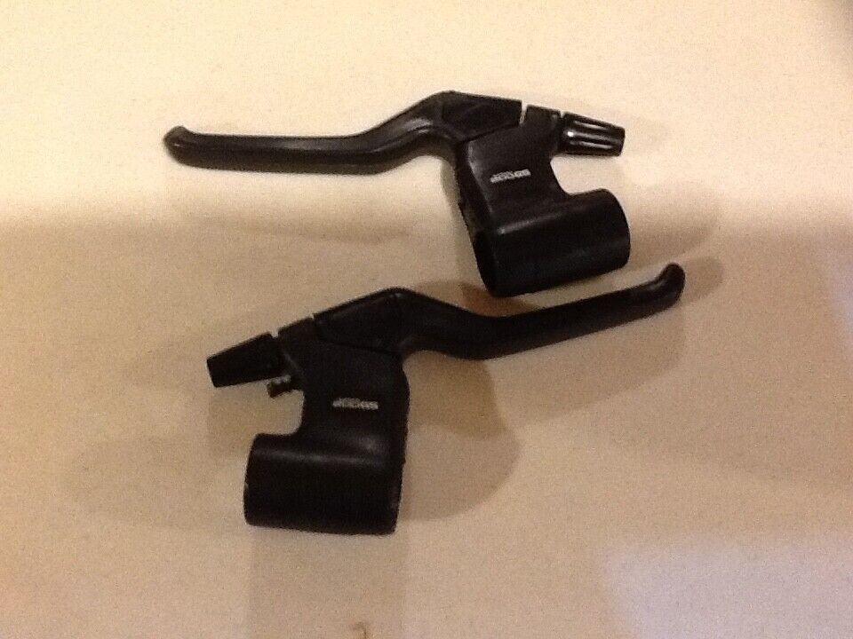 SHIMANO DERAILLEURS,BRAKE LEVERS 200GS 100GS   cheap and fashion