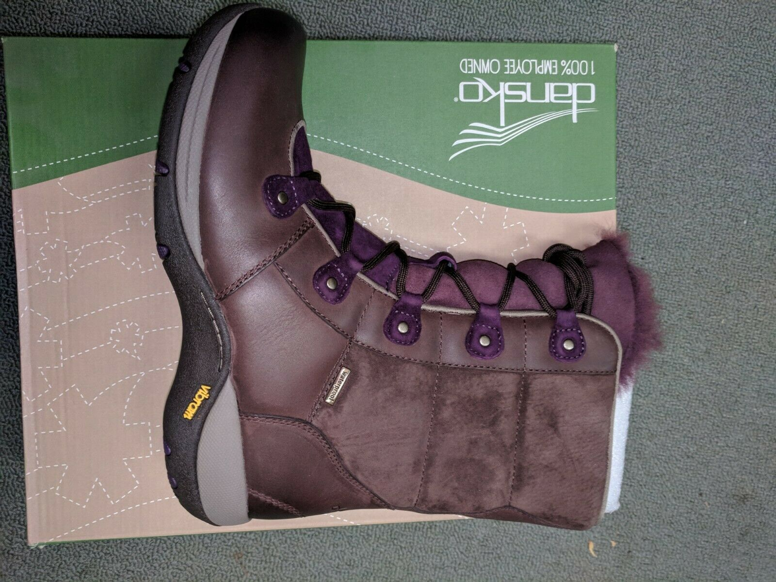 Dansko Camryn Earthy G   Purple Fur Lace Up Boots Size 38 US 7.5-8 Rare New  all in high quality and low price