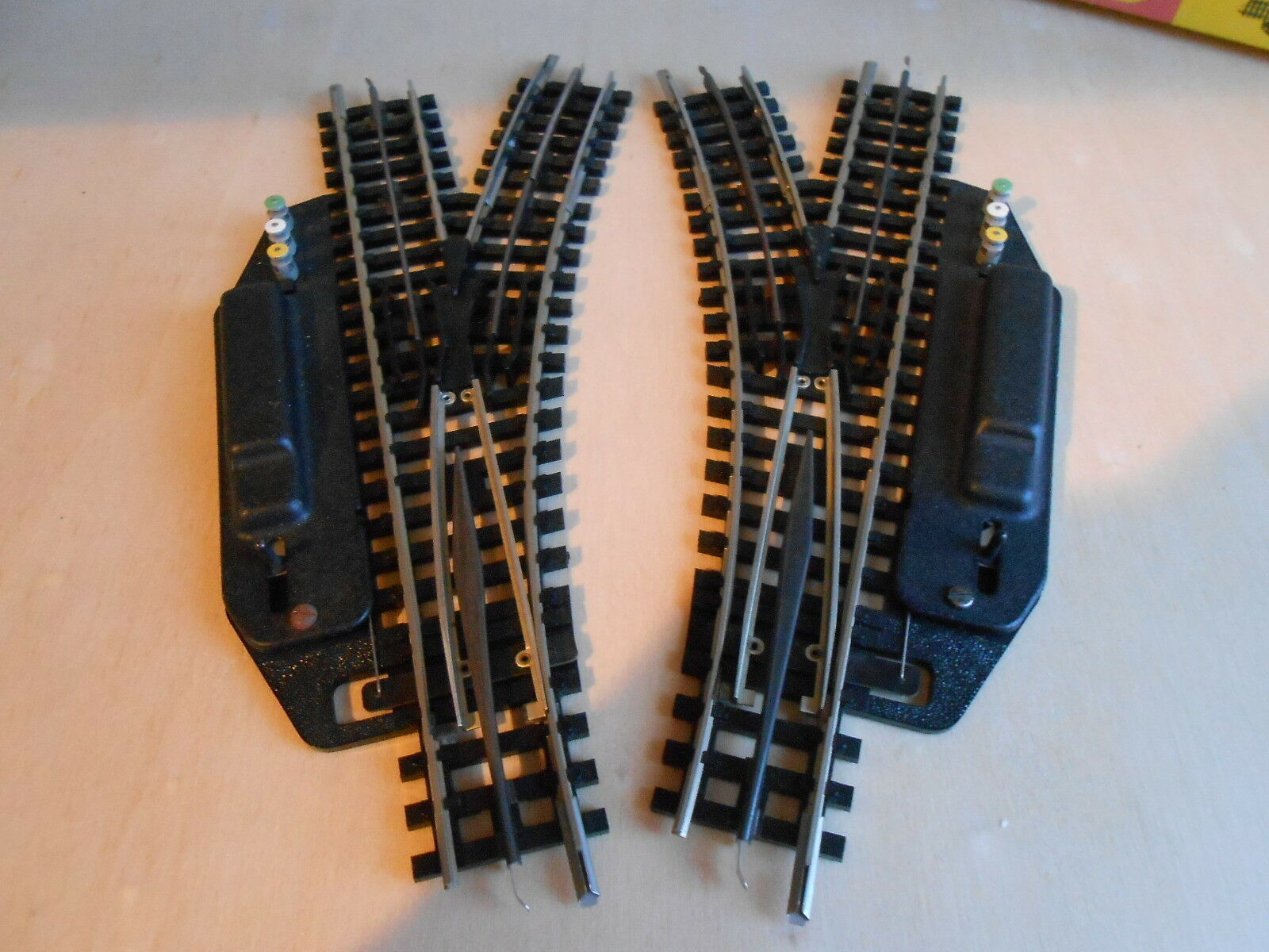 Trix Express 4362 , elektr. Weichen R1-30°, 1 Paar ,  Spur H0  | Ästhetisches Aussehen