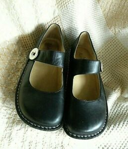 9 PG Lite Pal 601 Leather Button Casual