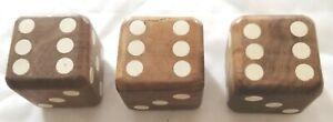 Wooden-dice-set-of-3-Des-en-bois