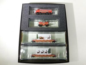 NEW-Micro-Trains-Z-Scale-Husky-Holiday-Hauler-Set-994-21-080-TOTES1