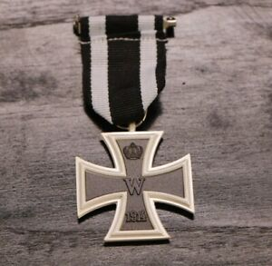 WWI-Germany-1914-1813-Iron-Cross-2nd-Class-German-Medal-with-Ribbon-Replica