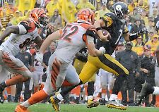 BEN ROETHLISBERGER STEELERS RUNNING FOR 1ST DOWN VS BENGALS 9/18/16 COLOR 8X10