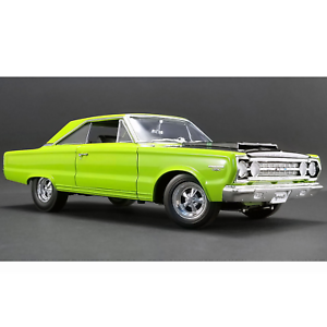 ACME – 1 18 Scale – 1967 Plymouth GTX in Limelight Green Diecast Model Replica