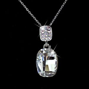 18K-WHITE-GOLD-PLATED-MADE-WITH-SWAROVSKI-CRYSTAL-SPARKLING-PENDANT-NECKLACE