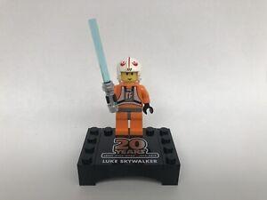 Nouveau-Lego-Luke-Skywalker-Figurine-amp-Stand-De-STAR-WARS-Set-75258-sw1024