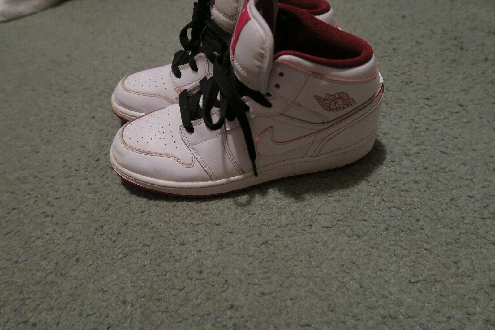 Air Jordan Retro 1 Mid White Gym Red