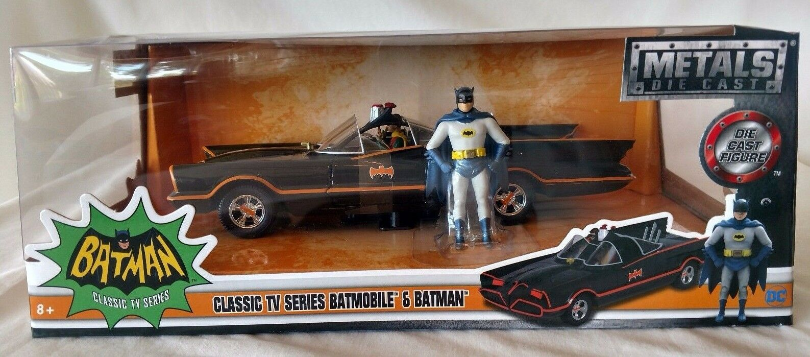JADA TOYS BATMAN CLASSIC TV SERIES 1966 BATMAN & BATMOBILE 2016