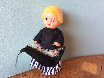 2X Kleine 9 cm Puppe für ddung Mädchen Puppen Charms als Puppenhaus Mädchen-ZF