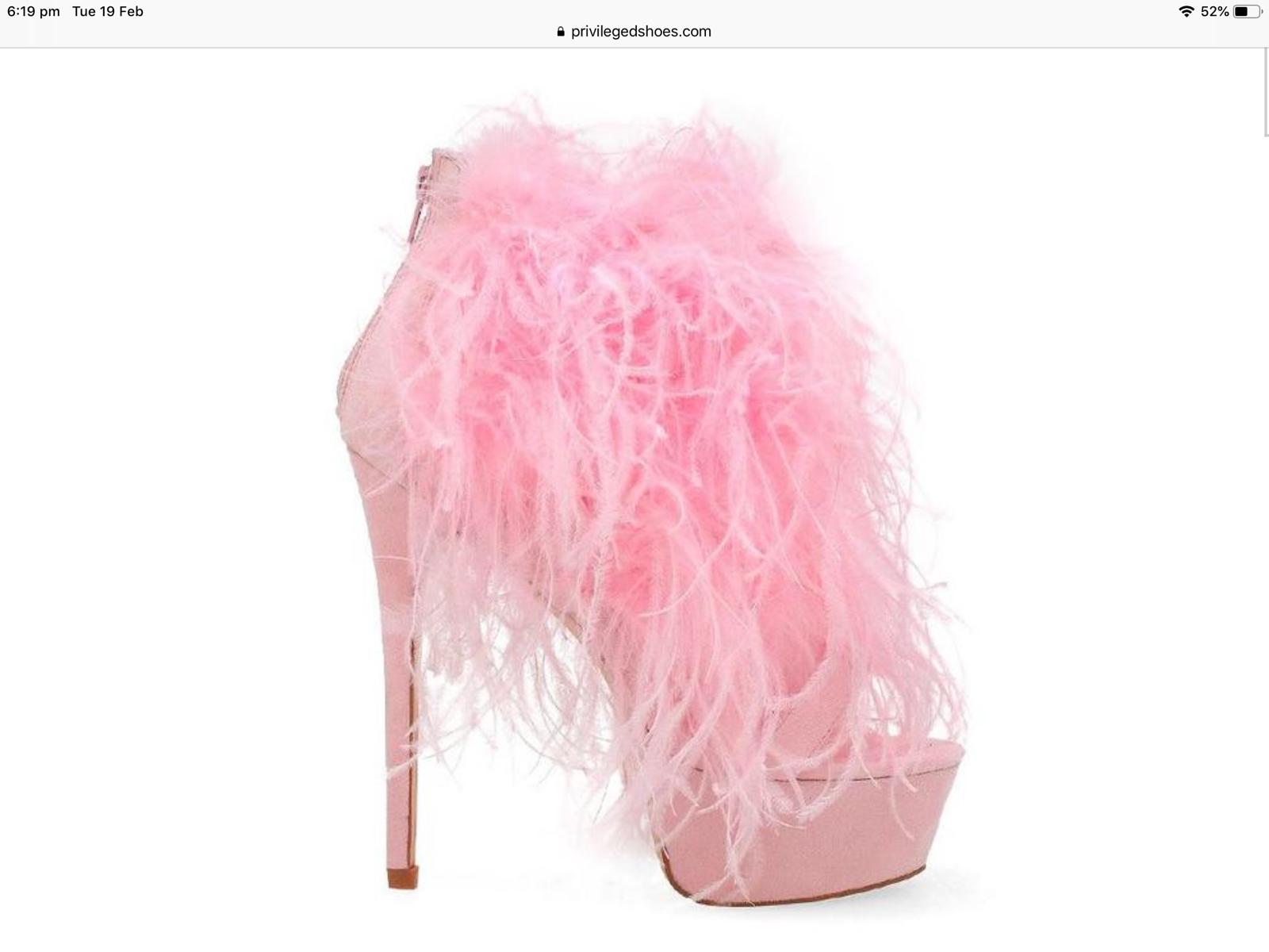 Privileged Chelsea Stilleto Feather Heels size 11