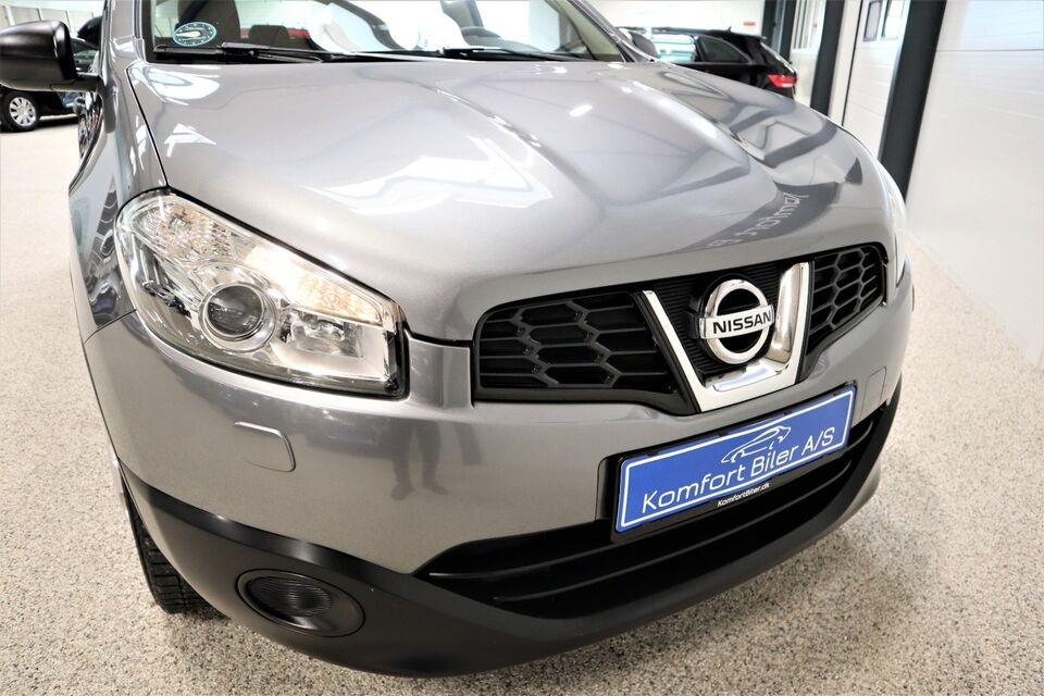Nissan Qashqai 1,6 Visia Benzin modelår 2012 km 89000