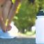 Deportes botella agua que se ejecutan jugo gimnasio tapa rosca que activa bebida