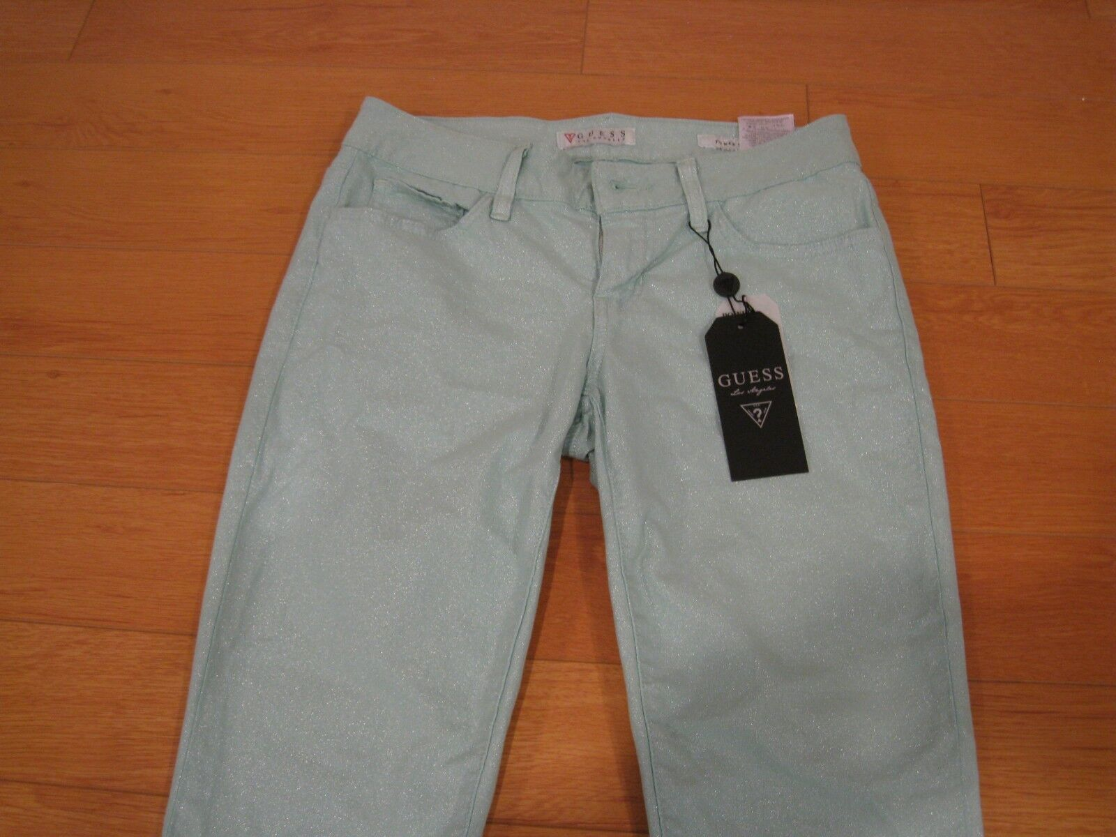 NWT Women's Power Skinny Guess Jeans (Retail  118)