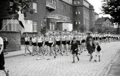 Exhibition shows the dark side of the Nazi Youth Movement