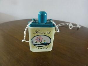 miniature-de-parfum-bien-etre-l-039-oreal-fleurie-jolie-avec-cordelette-15-ml