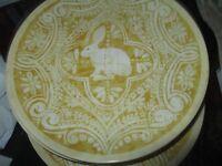 Pottery Barn Easter Graphic Bunny Yellow Salad Dessert Plates Set 4