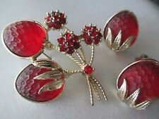 VINTAGE SARAH COVENTRY RED FROSTED GLASS STRAWBERRY  EARRINGS BROOCH SET-138