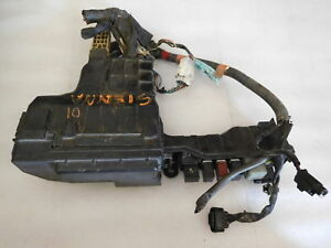image is loading 2001-toyota-sienna-under-hood-fuse-box-relay-