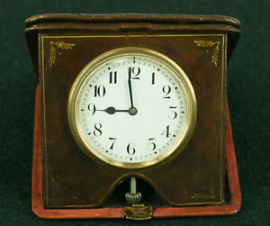 Vintage-Travel-Clock-in-leather-case