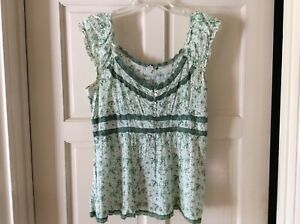 Women-s-Green-And-White-Peasant-Blouse-Size-Large