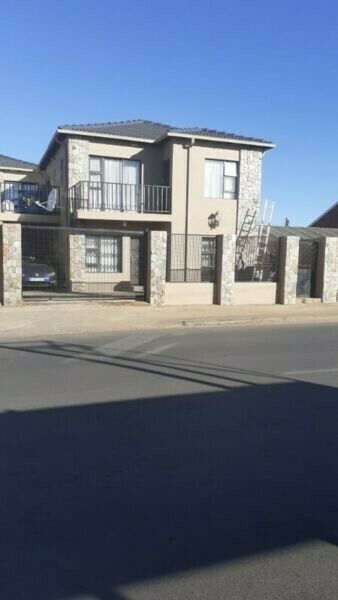 2 Stunning new studio units available in Molapo for rent from 14 September!