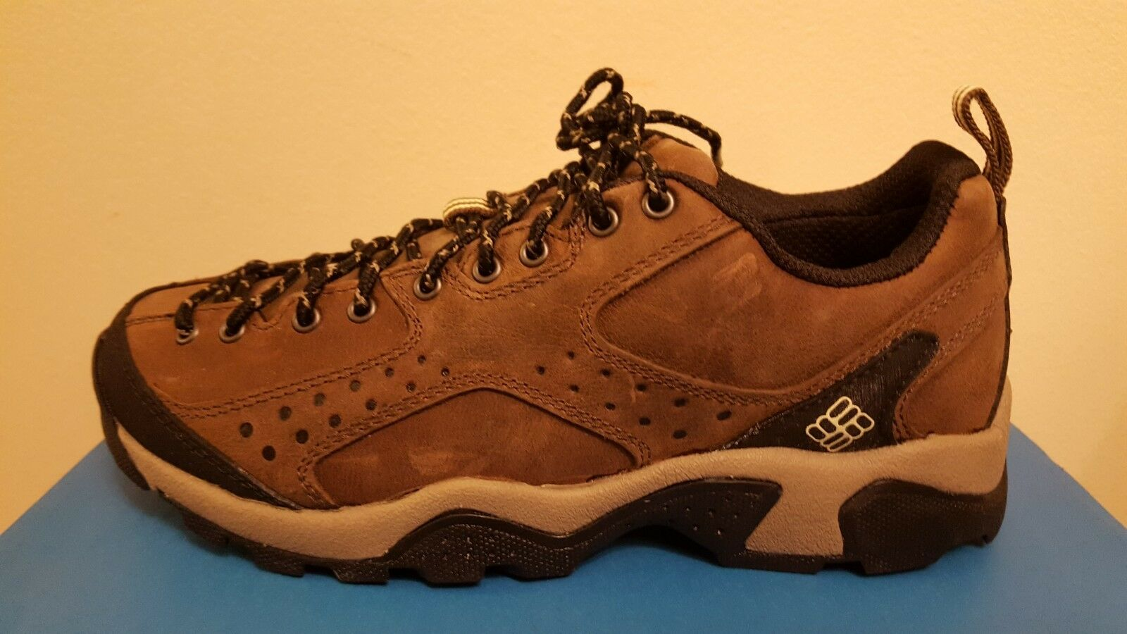 Women's Columbia BOWENCONSTRICTOR Brown Hiking shoes Size 6.5