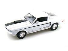 1:18 Maisto Ford Mustang Cobra Jet 1968 - white