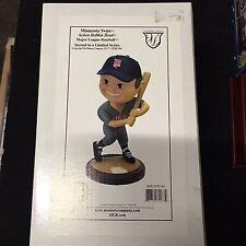 MINNESOTA TWINS Bobblehead Bobbin Head 2002 Memory Company Ltd. Series 2nd New