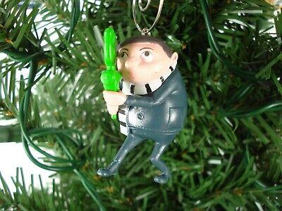 2020 Hallmark Walmart Exclusive Minions  Rise of Gru Stuart  Xmas Tree Ornament