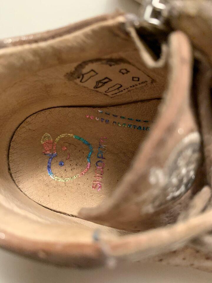 Sneakers, str. 21, Pom d'api
