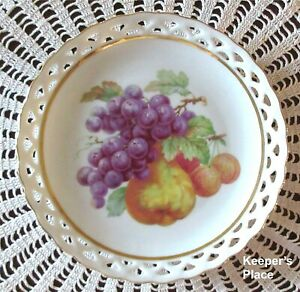 Winterling-Bavaria-Germany-Plate-61-Fruit-Grapes-Pear-Pierced-Edge-Gold-Trim