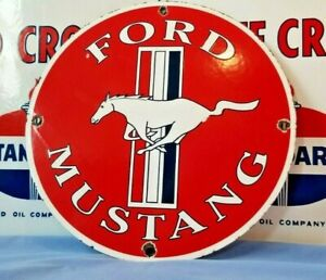 VINTAGE-FORD-AUTOMOBILE-PORCELAIN-METAL-GAS-SERVICE-MUSTANG-BRONCO-SHELBY-SIGN