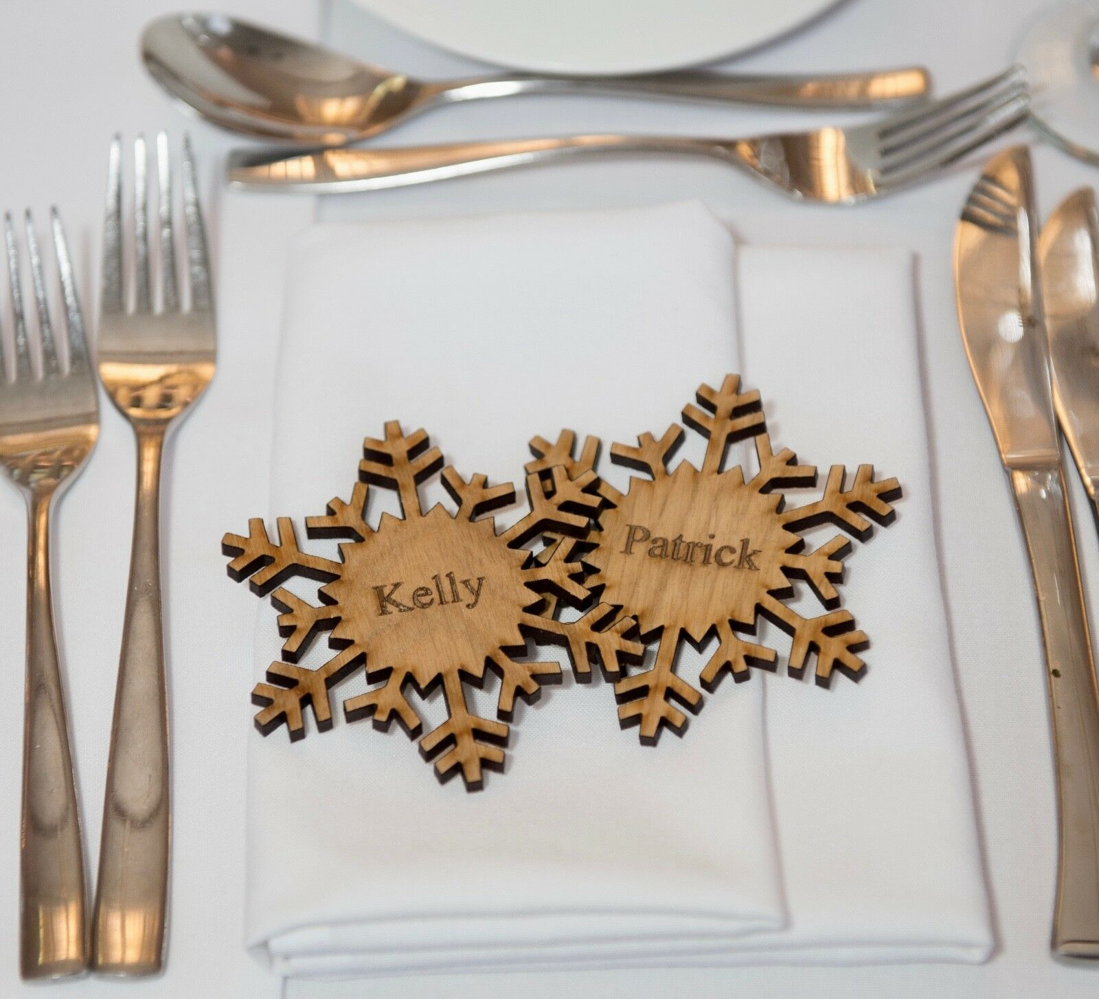 9 cm Wooden Wedding Place Place Wedding Nom, Place Setting, Favours, magnétique, Snowflakes 3b6e39