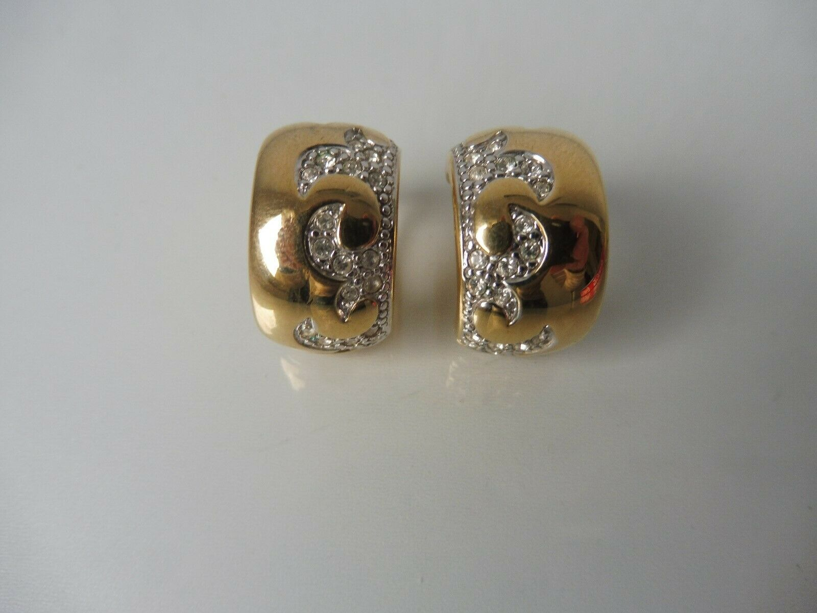 Bella Inusual Pendientes   Clips _ Piedras Brillantes _ Bañado en gold _ Pierre