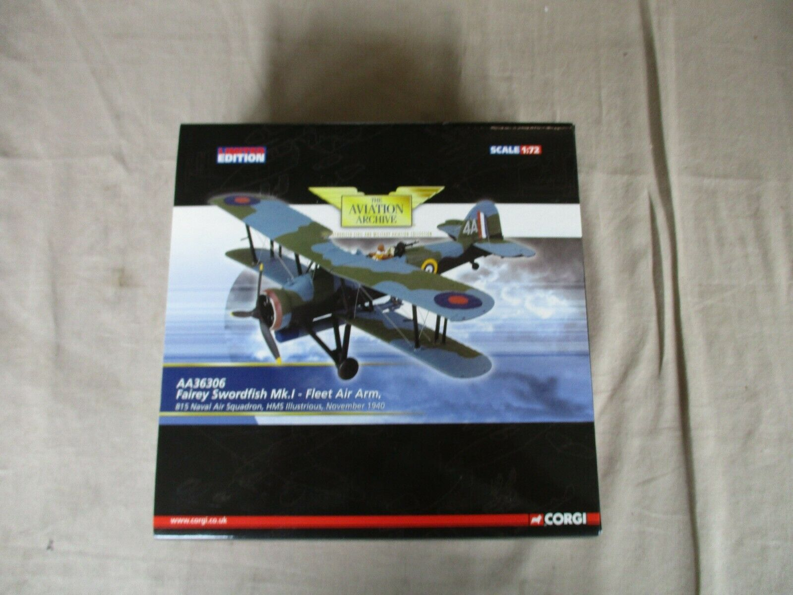 1 72 Corgi AA36306 - Fairey Swordfish Mk.I - Fleet Air Arm, HMS Illustrious MIB