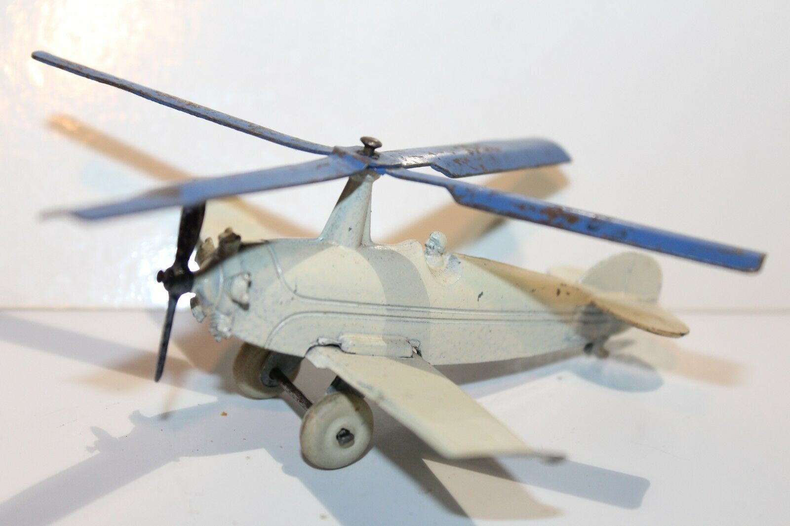 VERY NICE TOOTSIETOY 1934 AUTO-GYRO COPTER AIRPLANE blueE Propellers