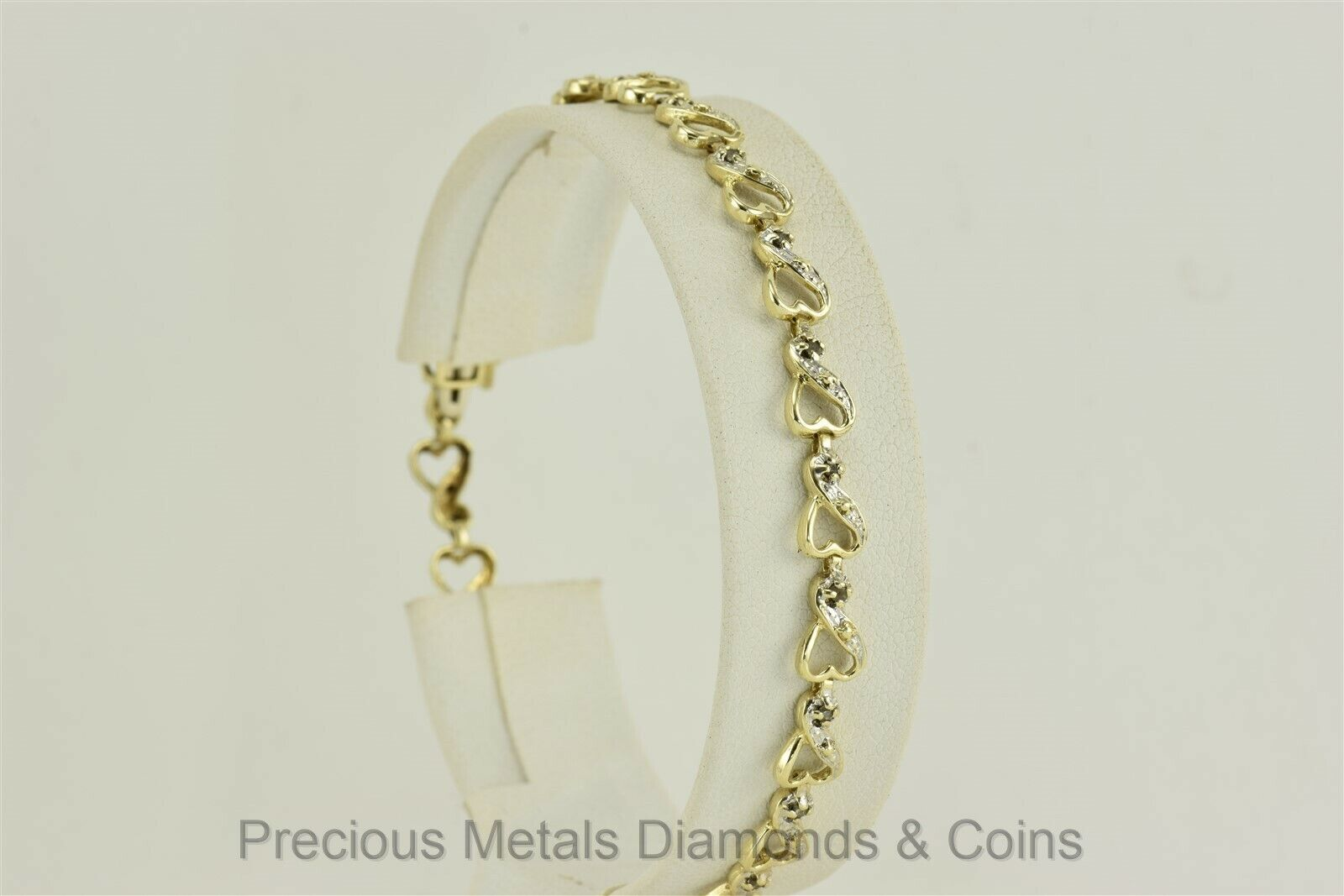 10k Yellow gold Diamond Accented Hearts Linked Bracelet 7.25  x 5.5mm 5.3g