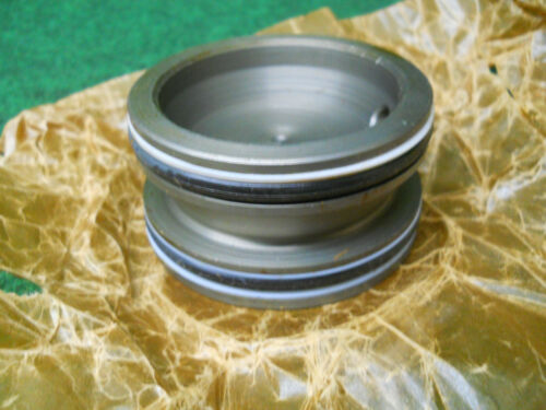 300B 302A 310 NOS John Deere AL23523 Accumulator Piston Bearing Sub R57103 For