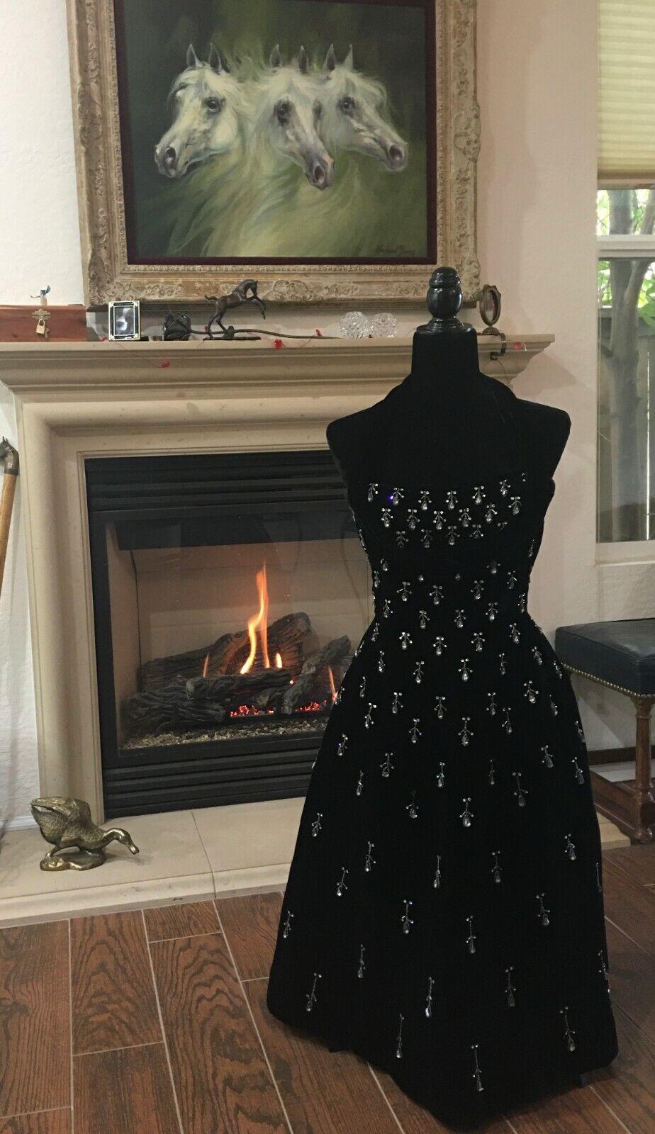 Vintage black velvet Ceil Chapman evening dress - image 5
