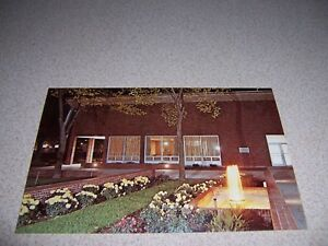 1960s-NIGHT-FOUNTAIN-at-ST-NORBERT-COLLEGE-WEST-DePERE-WISCONSIN-VTG-POSTCARD