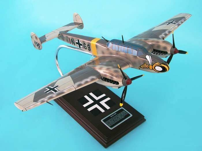 ESFN009 Executive Desktop ME-110C (BF-110C) 1 32 Model Airplane