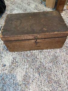 Antique Folk Art Wood Box w Hinged Lid Lock Collectible Primitive Decor 12x7x5