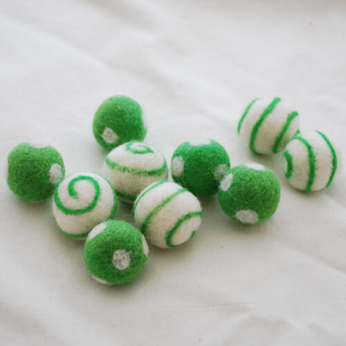 Green Flash 2.5cm 100/% Wool Felt Balls 10 Swirl // Polka Dot Felt Balls