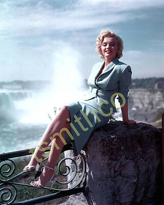 Marilyn Monroe 8x10 Glossy Photo 025