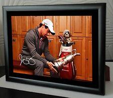 Rory McIlroy Open Golf hoylake encadrée toile portrait signé dans les vestiaires
