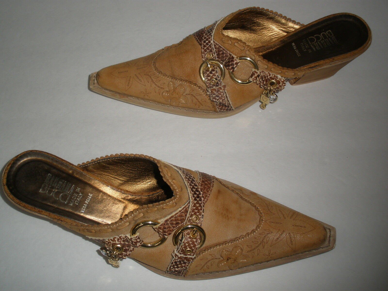 GORGEOUS BARBARA BUCCI LEATHER WESTERN HEELS  4  size US 7  SEXY  MADE IN ITALY