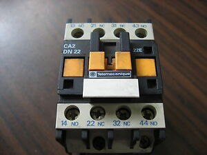 Telemecanique-CA2-DN22-Relay-With-120-Volt-Coil-10-Amp